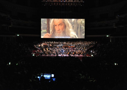 LOTR_Gandalf (Ian McKellen) i orkestur