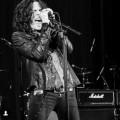 Tony-Harnell-live-350x338