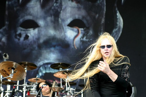 singer-warrel-dane-concert-nevermore-hairstyle-photos