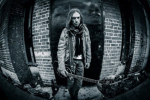 "Rex Brown показа видео към ""Buried Alive"""