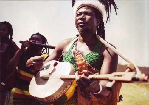 01_King_Ayisoba_Band